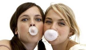 chewing gum teeth