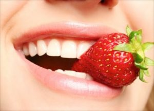 Natural Teeth Whitening Strawberry